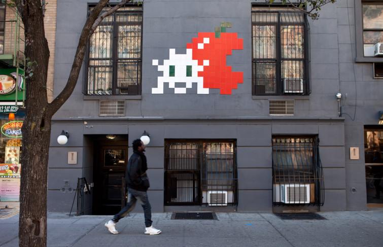 Le streetart en mosaïques avec le français Invader