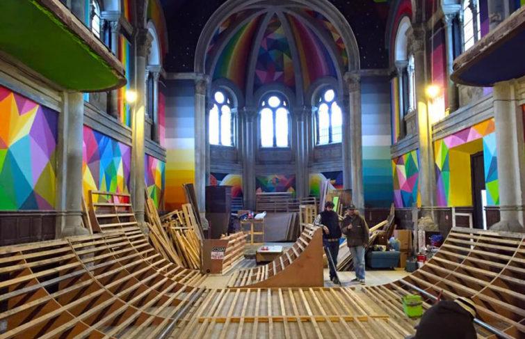 Une église espagnole transformée en un skatepark haut en couleurs