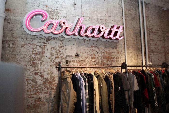 Carhartt, du vêtement de travail à la mode grand public